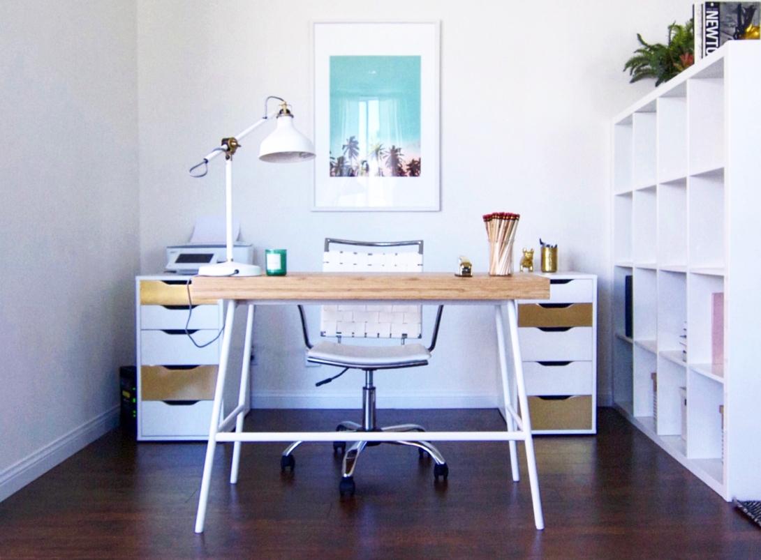 DBT therapist desk